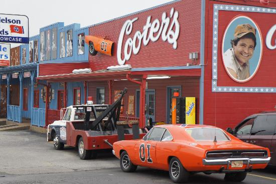 Nashville Tennessee With Kids : Cooters Garage
