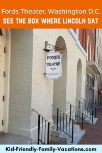 Fords Theater Washington DC - history of the Ford Theater and photos of the box seat occupied by President Lincoln