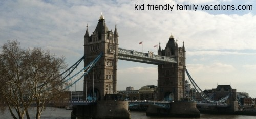 tower bridge : london england vacation