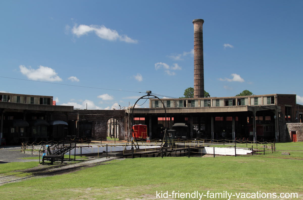 things to do in savannah with kids - georgia state railroad museum