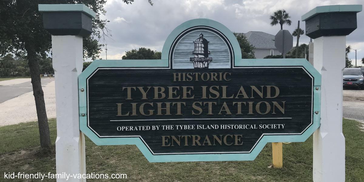 savannah georgia side trips - tybee lighthouse sign