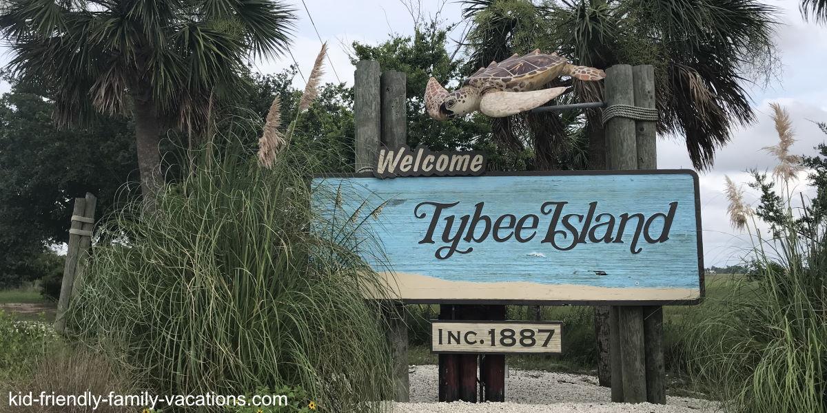 savannah georgia side trips - tybee island welcome sign